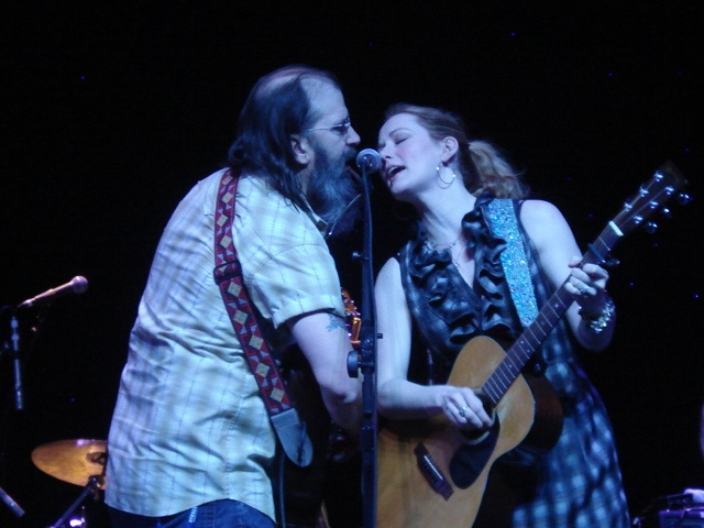Leo Tolstoy does a duet with Allison Moorer. Photo by Margaret Spevak.